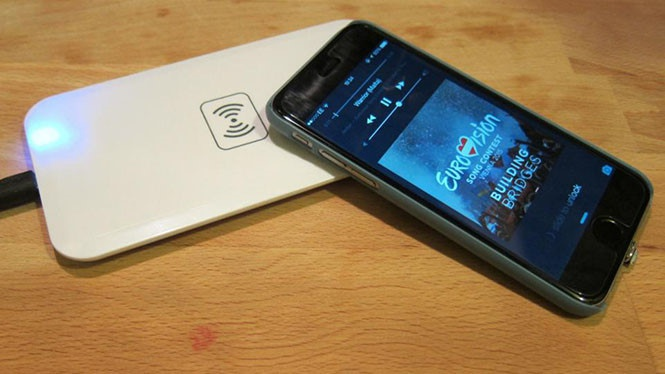 Cách chọn bộ sạc không dây cho iPhone 8 hoặc iPhone X - ảnh 1